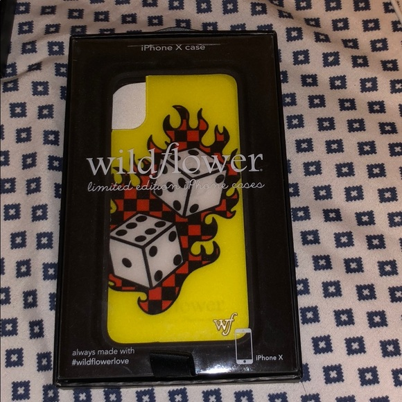 new concept bd7b8 0aa68 A Tana Mongeau iPhone X wildflower case.